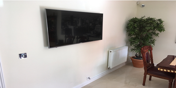 TV-wall-mounting-bedfordshire New Build